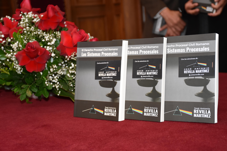 """MAGISTRADO REVILLA PRESENTÓ EL LIBRO """"EL DERECHO PROCESAL CIVIL ROMANO: LOS SISTEMAS PROCESALES"""""""